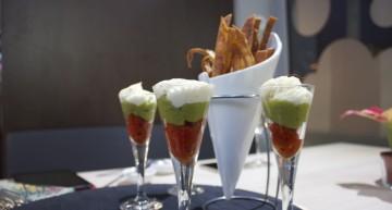 Nachos XXI (trufes de parmesà, cremós de guacamole i tomàquet confitat)