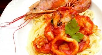 Espaguetis allo scoglio