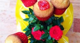 Mini magdalenes de Sant Jordi farcides de gelea de pètals de rosa