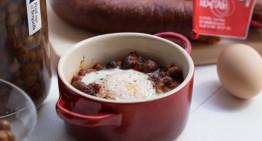 Ous al plat amb pèsol negre del Berguedà i sobrassada